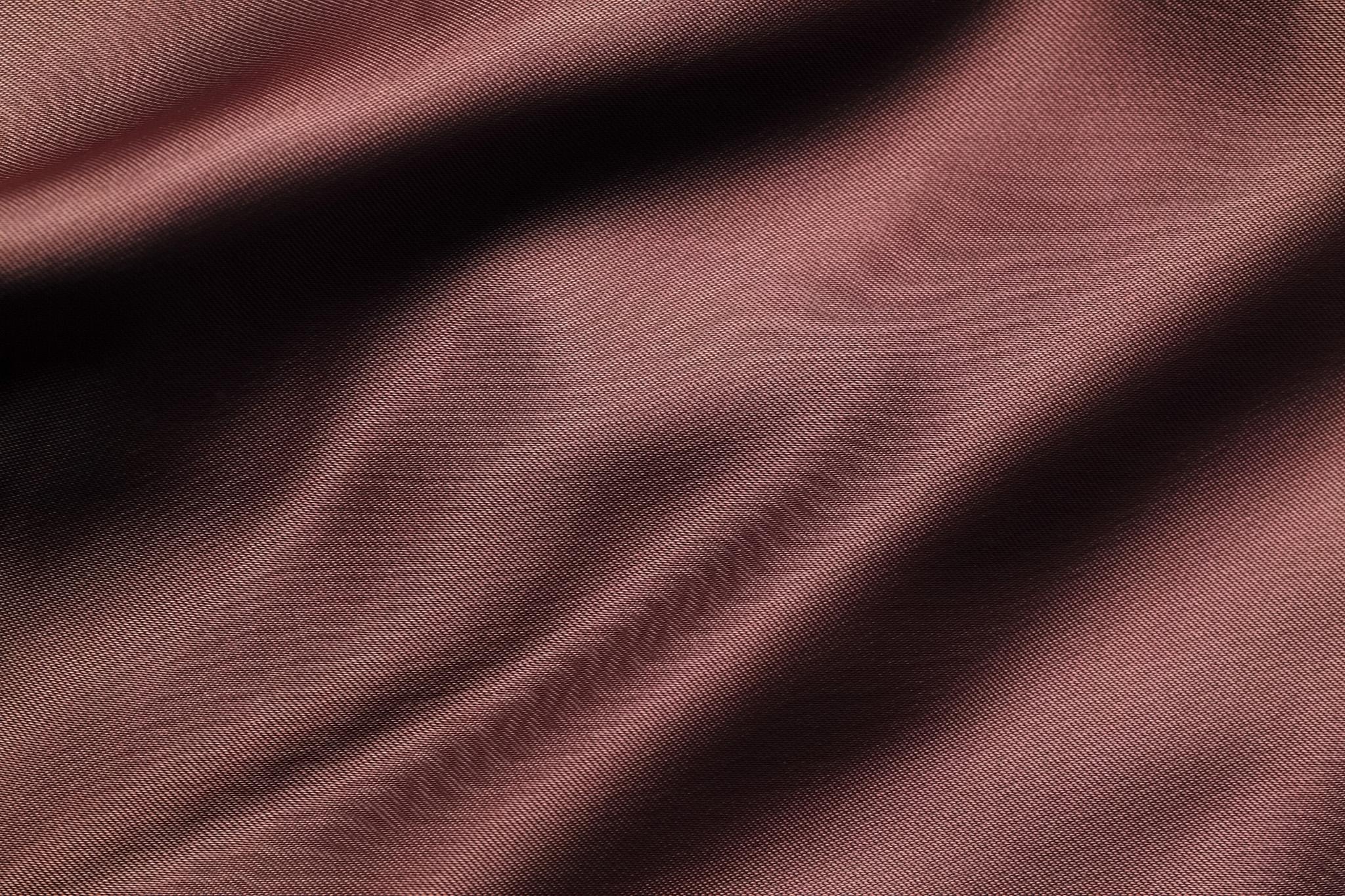「秋色のサラサラとした布地」