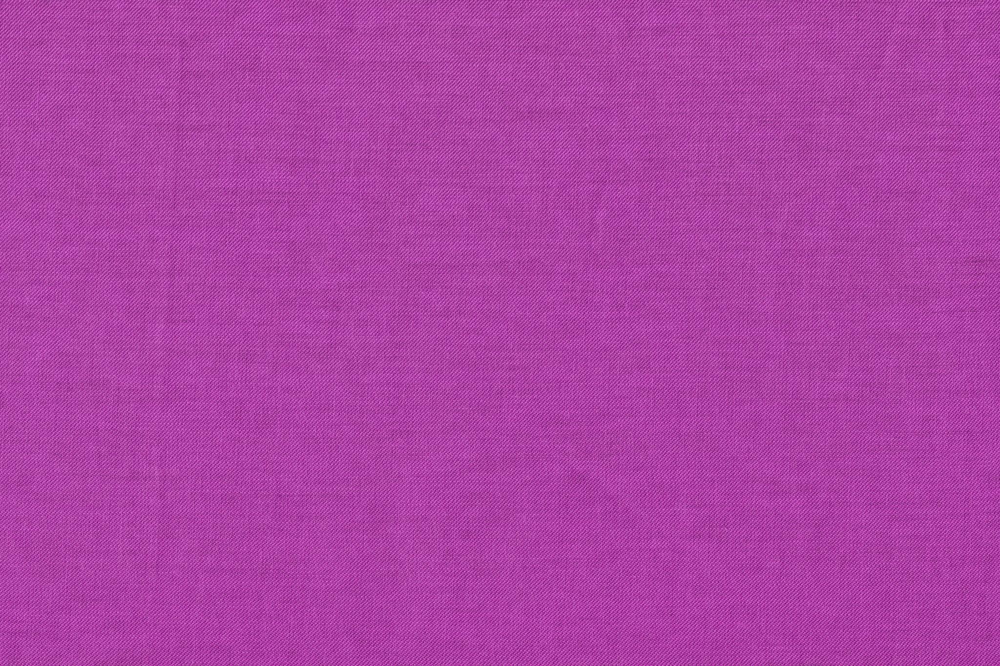 「赤紫色の布地」