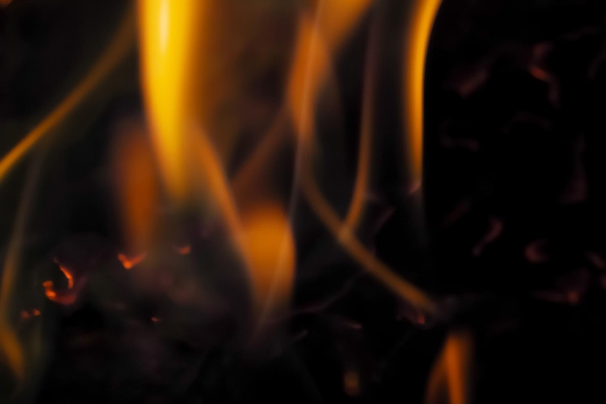 「燃える炎」の背景を無料ダウンロード