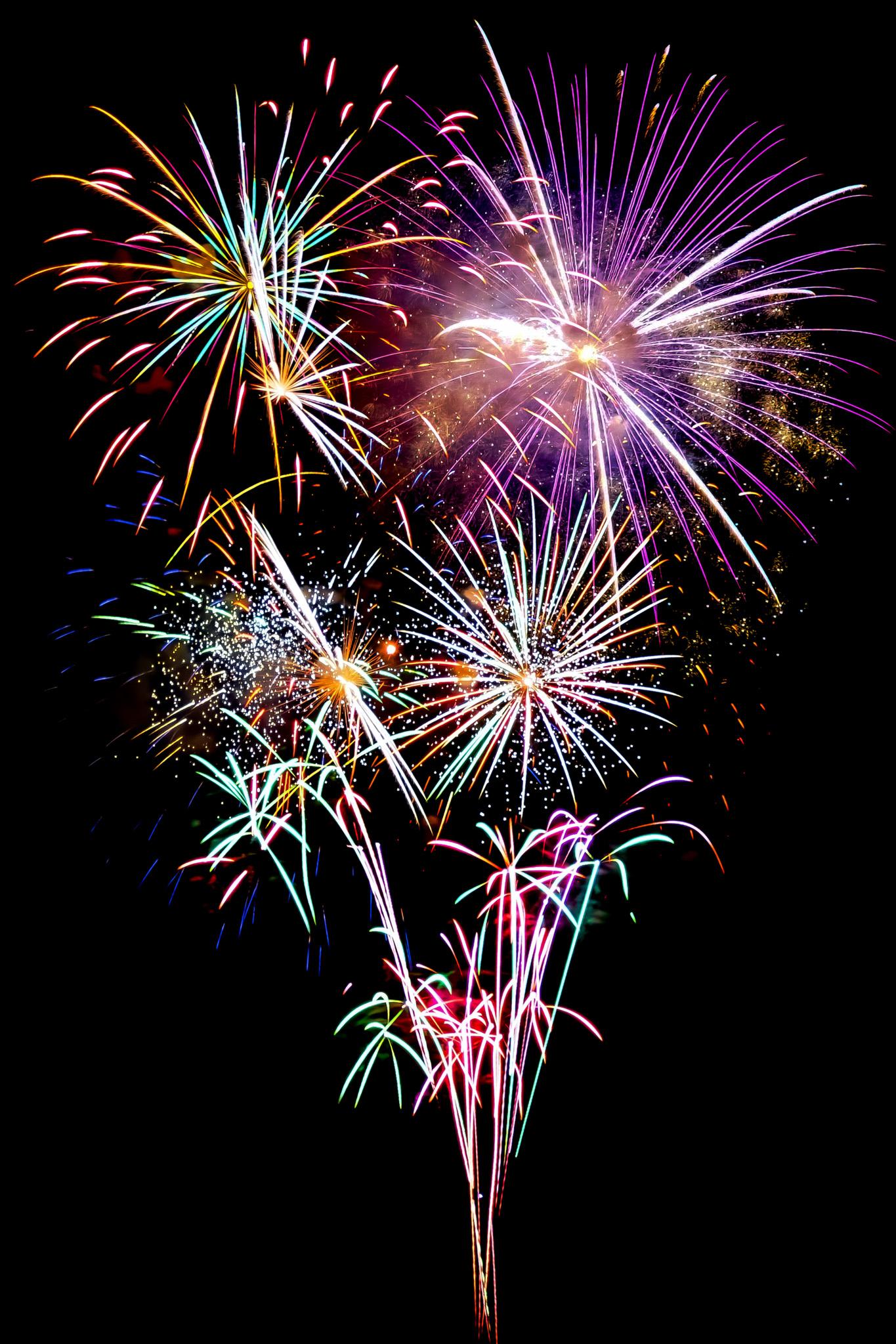 「色鮮やかな光が弾ける花火大会」の画像を無料ダウンロード