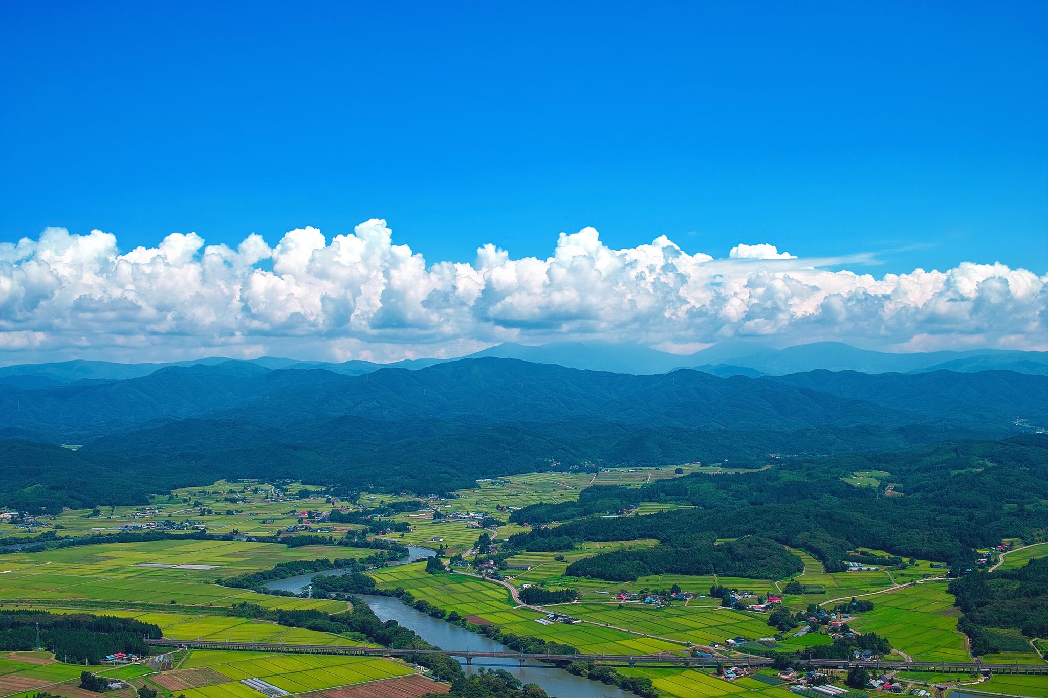 「夏の東北の田舎の写真」
