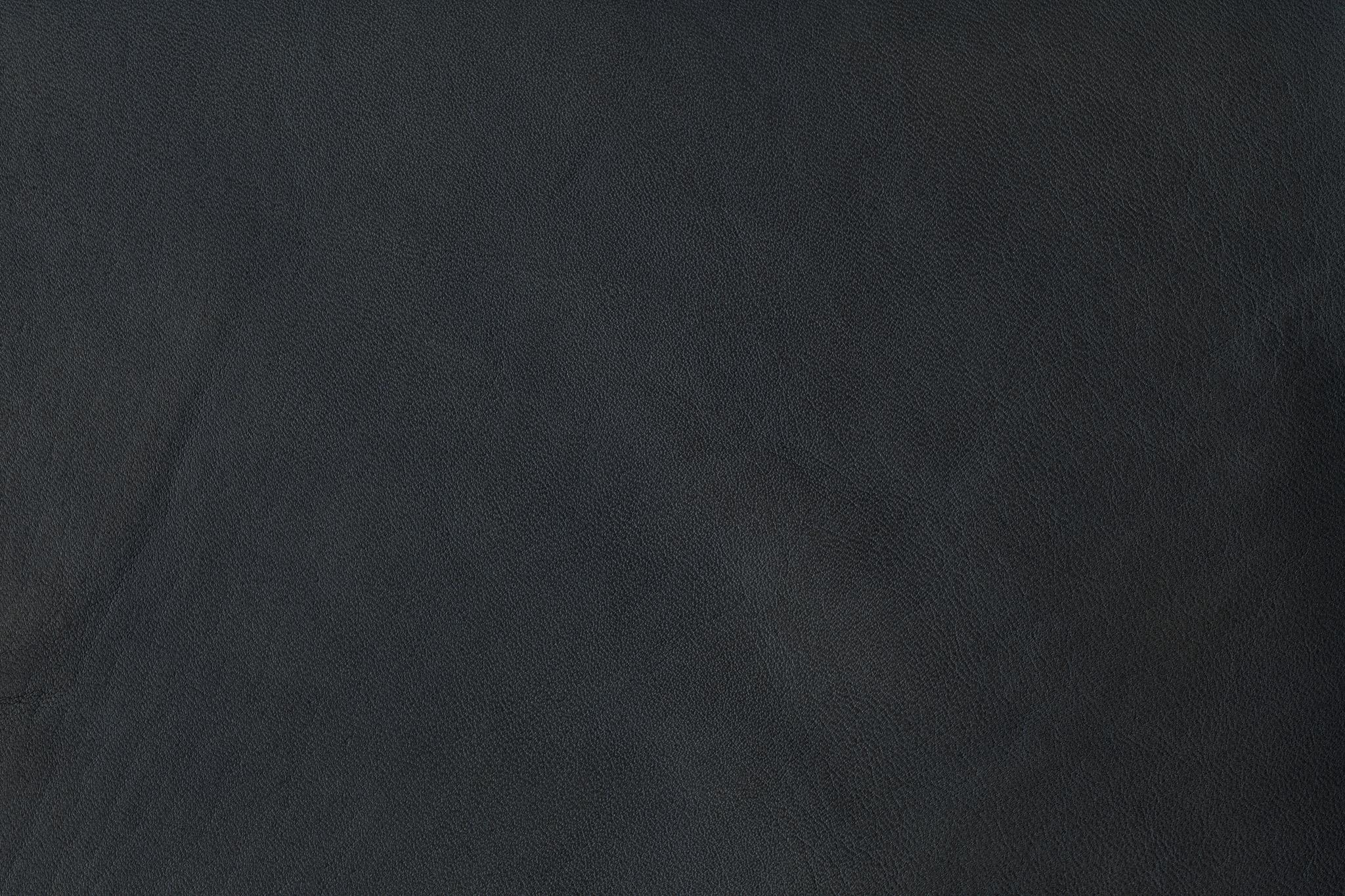 「ダーク色系の牛革」の背景を無料ダウンロード