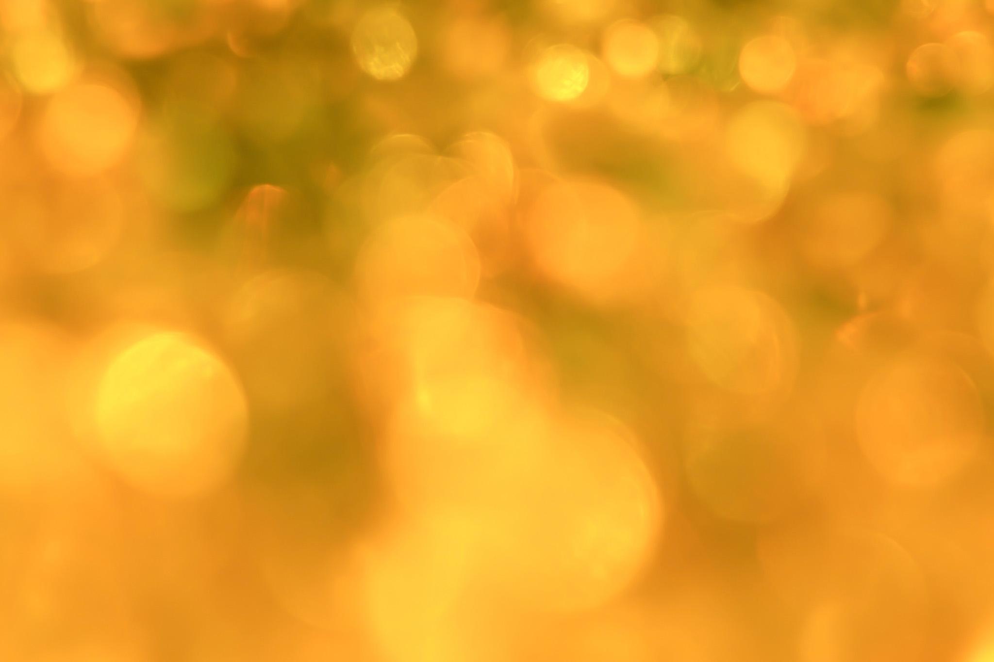 「黄色のイルミネーション」の素材を無料ダウンロード