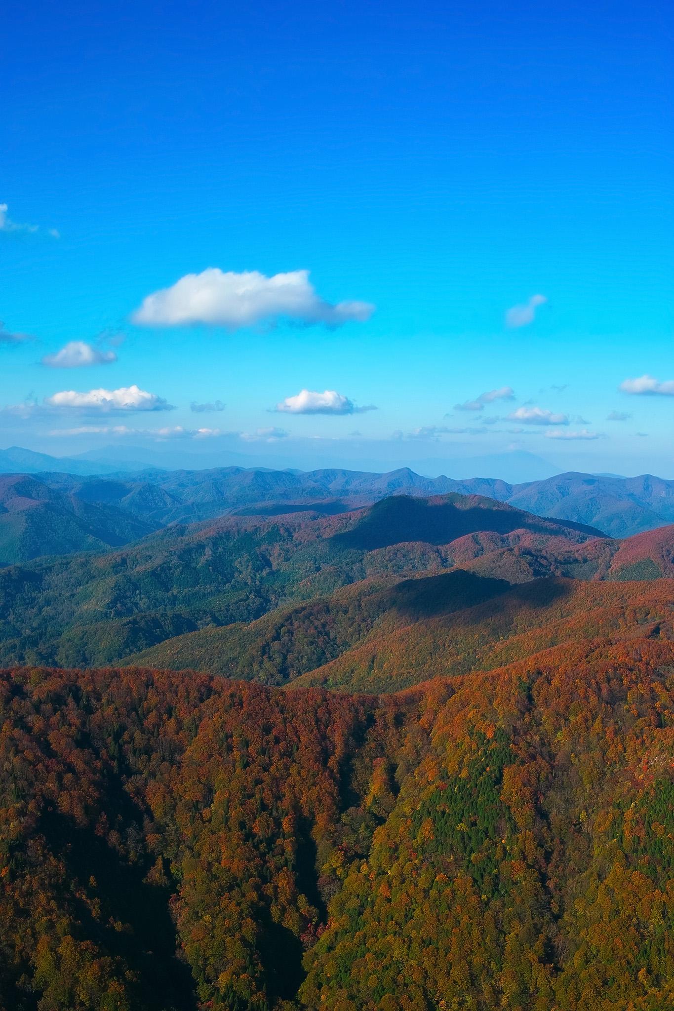 「山と空」の画像を無料ダウンロード