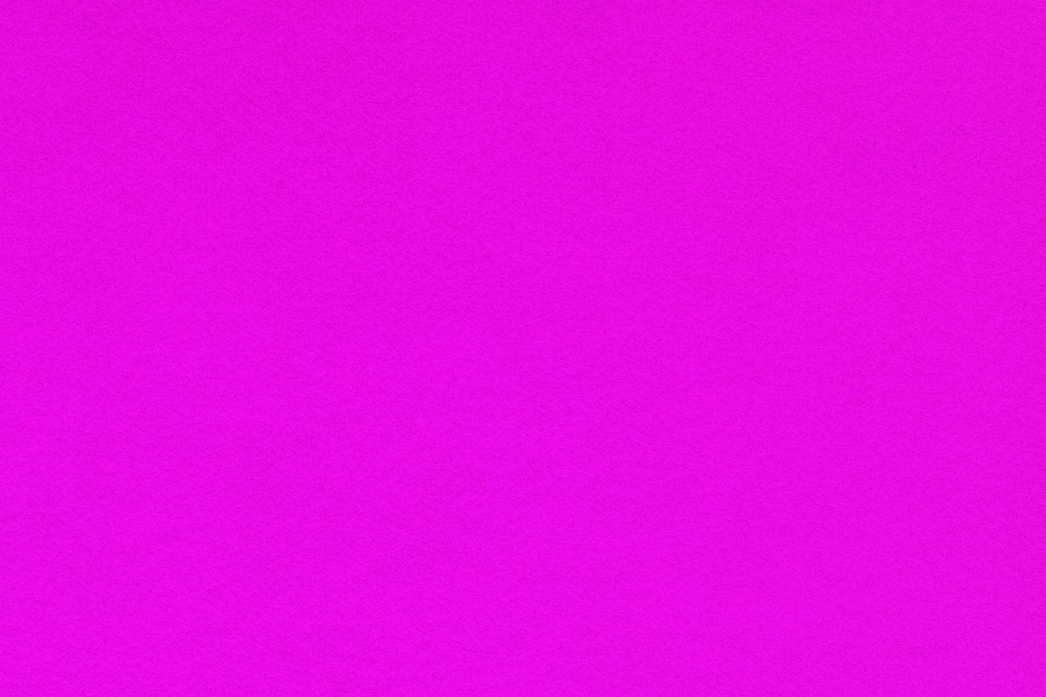 「鮮やかなピンク色の紙」