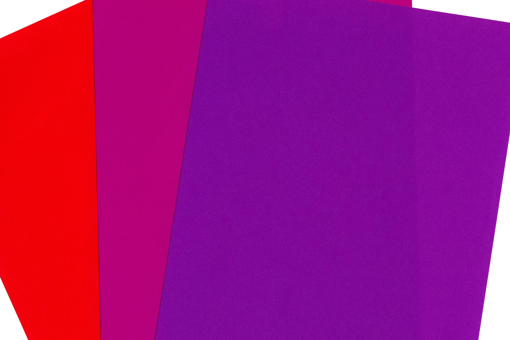「三色の折り紙の背景素材」
