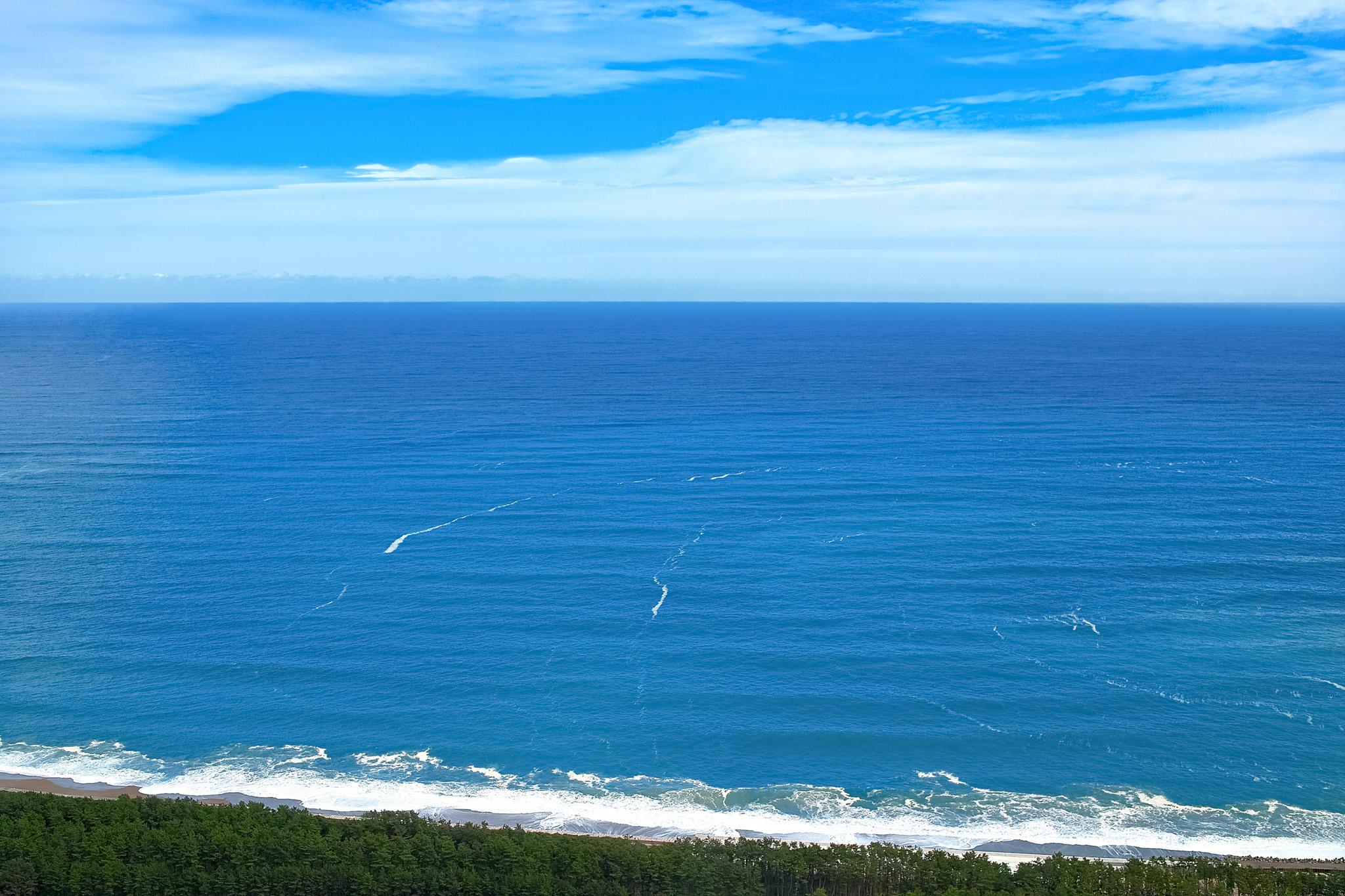 「海岸線と水平線」