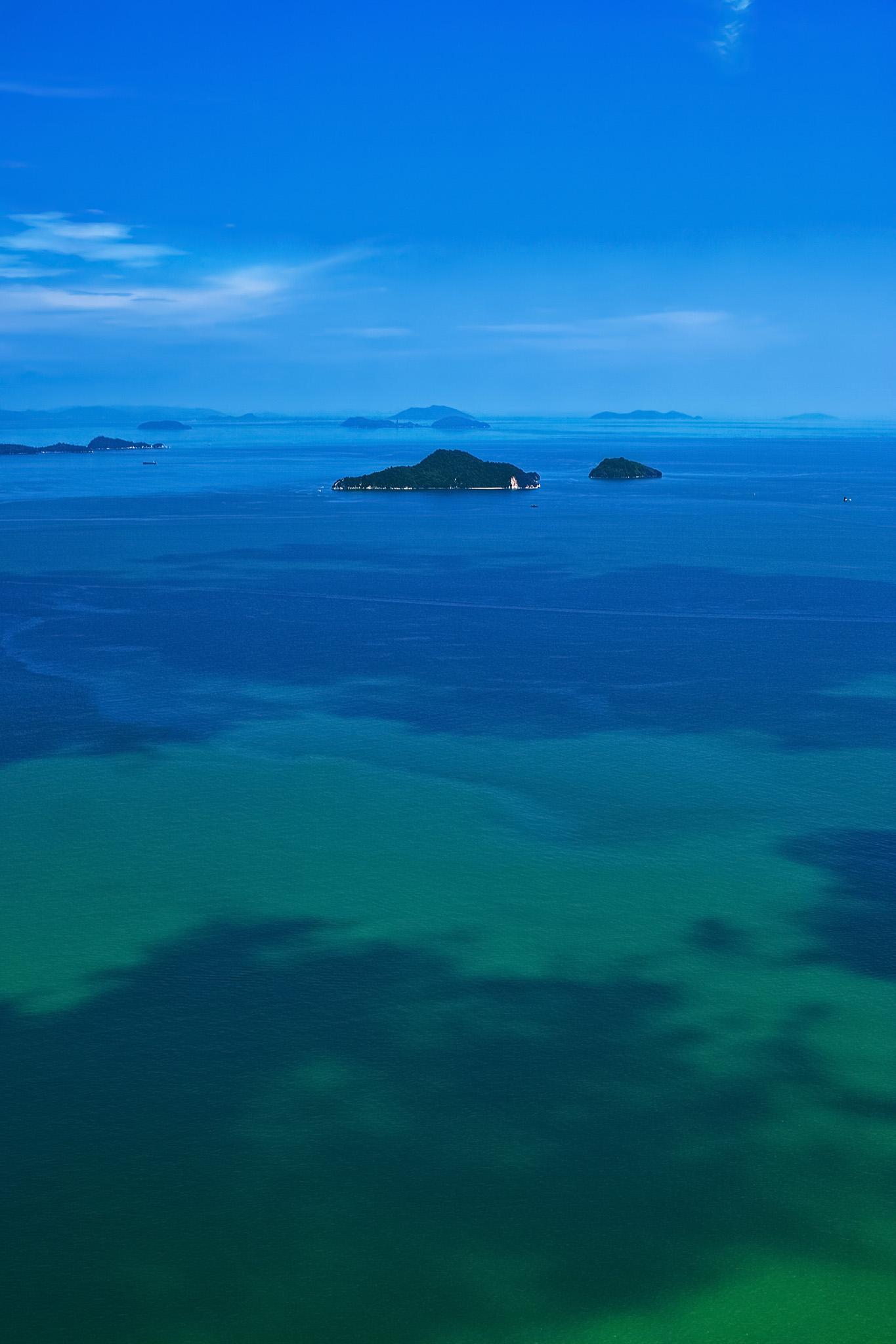 「遠くに見える島々」の素材を無料ダウンロード