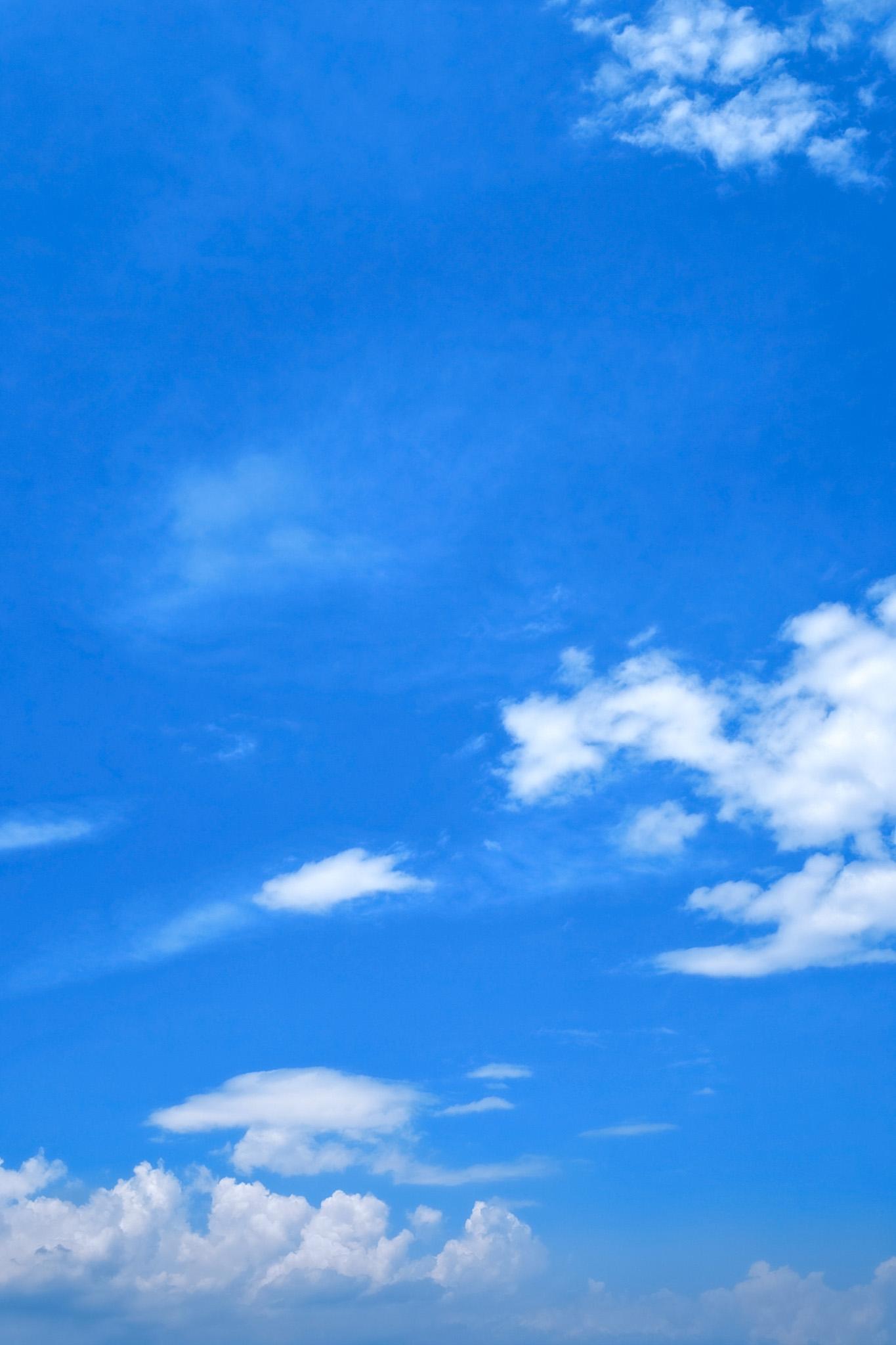 「積乱雲と壮大な青空」