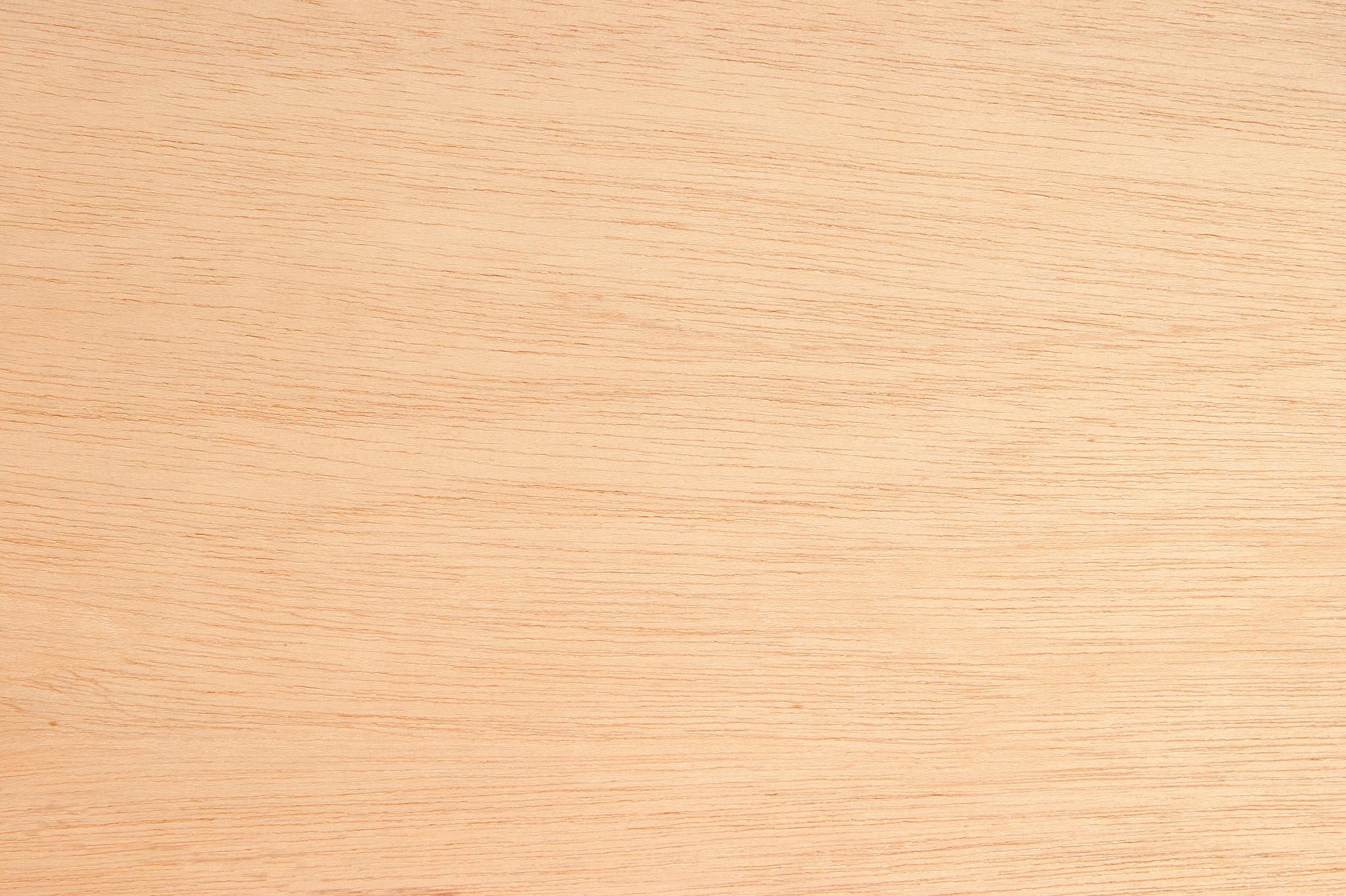 「肌色の真新しい板」