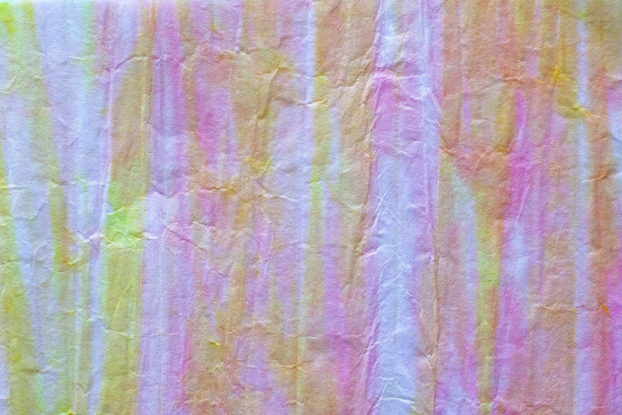 「ピンクと黄色の縞模様の和紙」