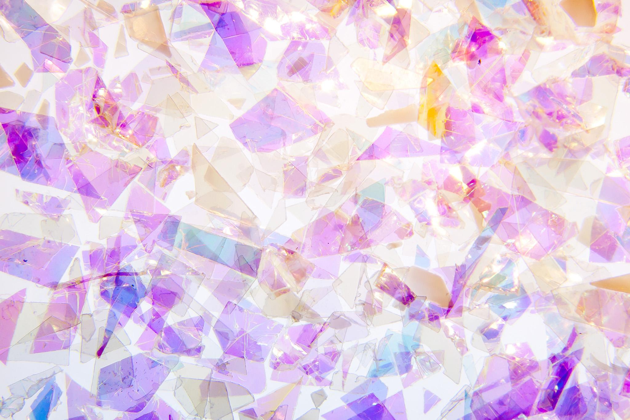 「ステンドグラス風の美しい破片」
