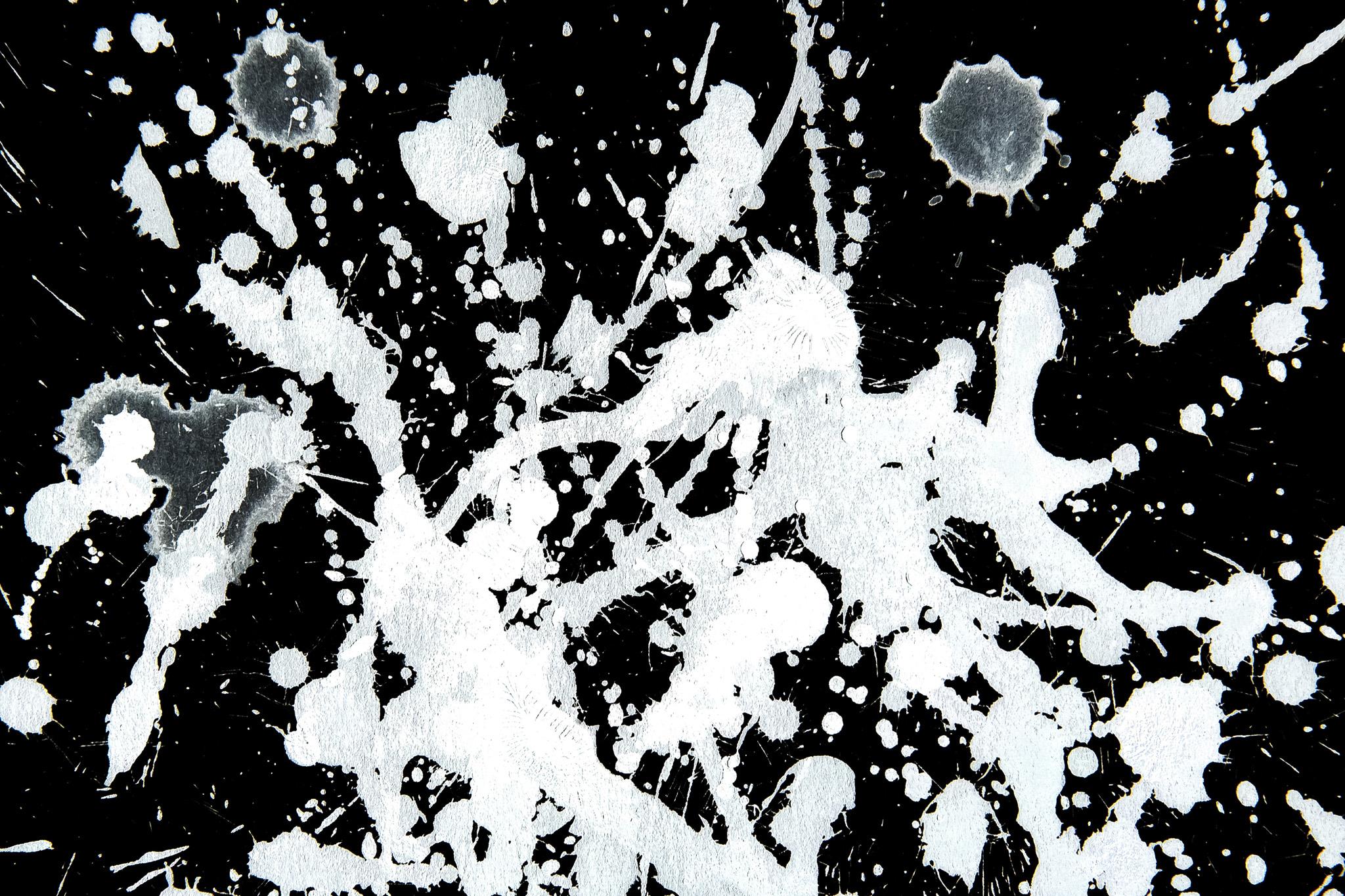「白と黒のアクションペインティング」