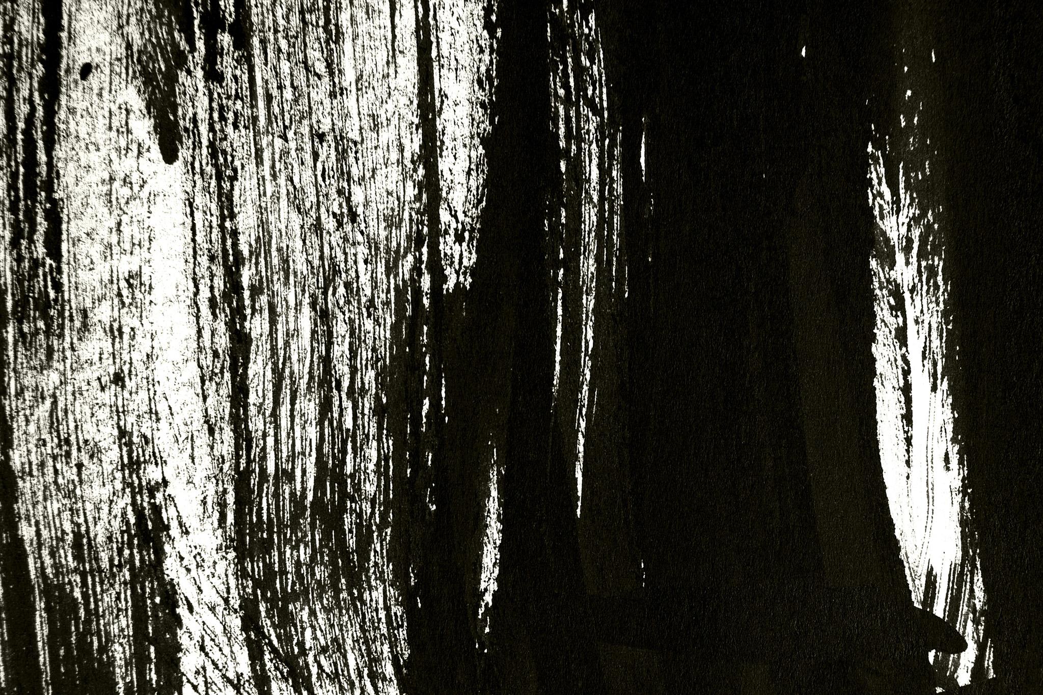 「黒と白が掠れた背景」