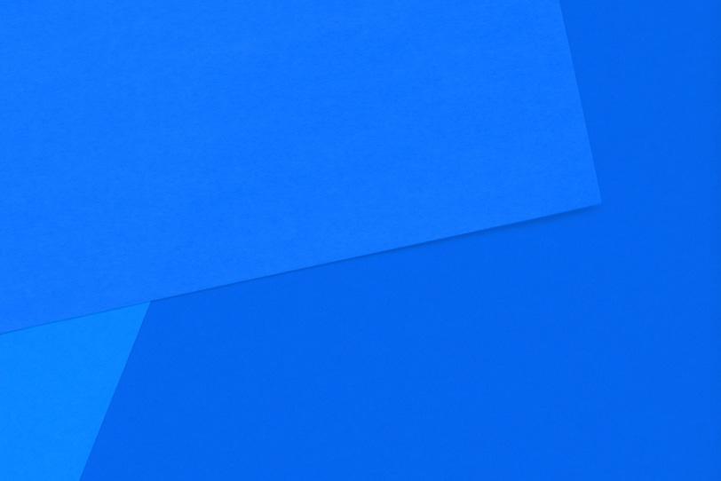青色のシンプルなフリー背景