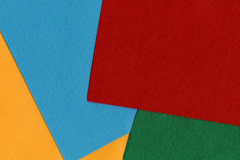赤色 水色 黄色 緑色のシンプルで可愛らしい背景の写真画像
