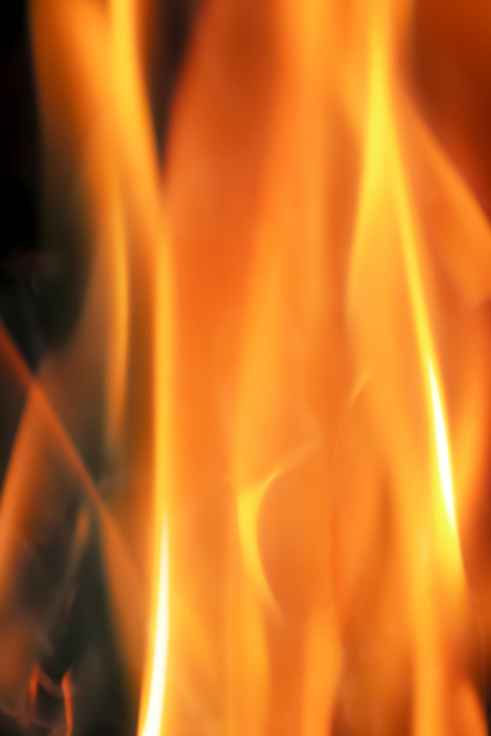 燃える炎の写真画像