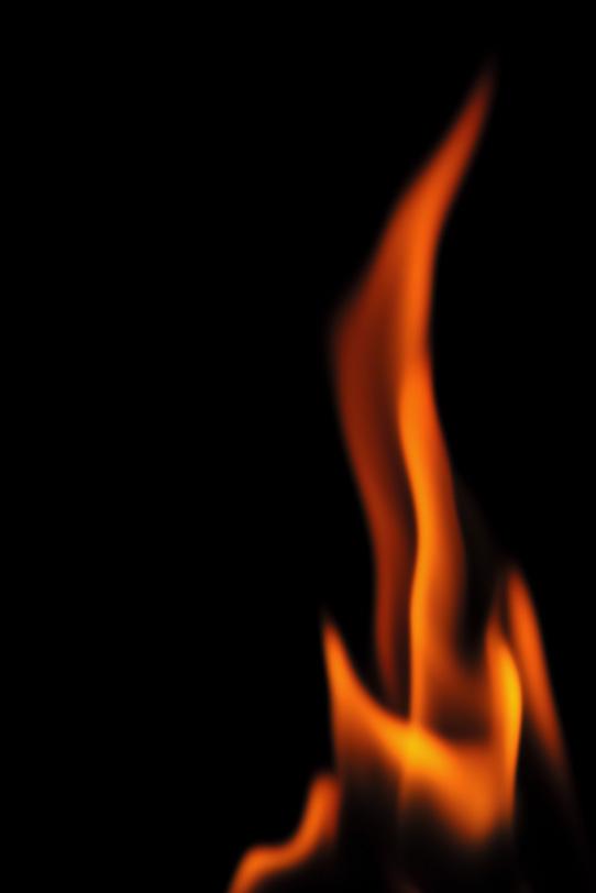 黒い背景と炎の写真画像