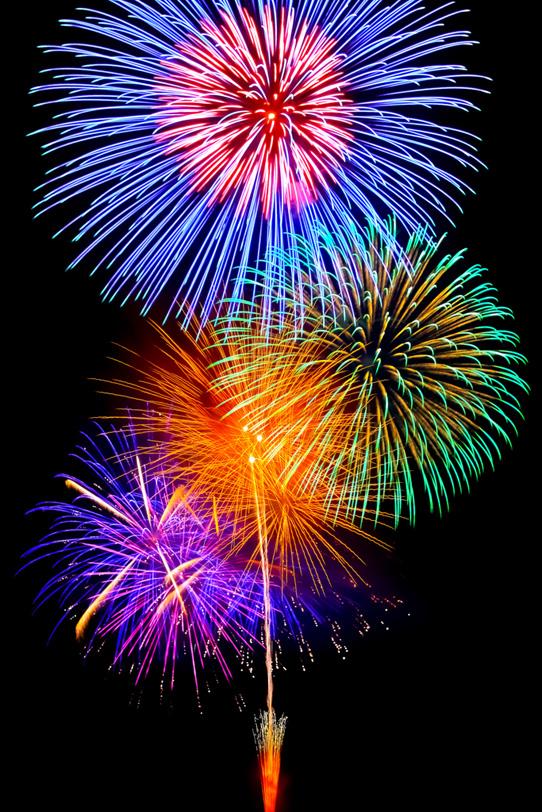 色鮮やかな大輪の花火の写真画像