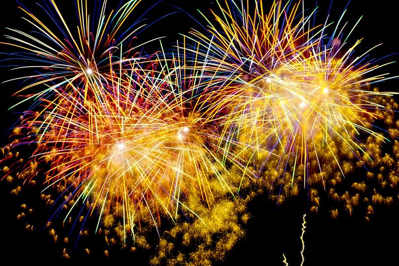 キラキラと眩い花火の写真画像