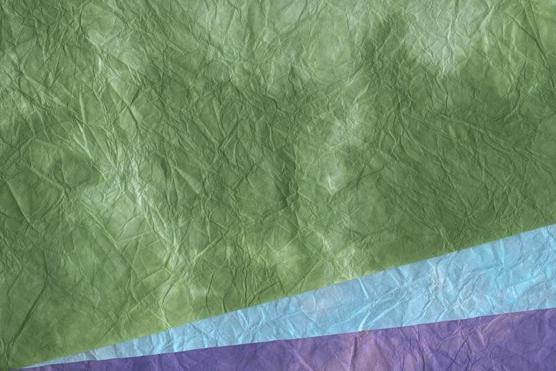 緑紫青の三色の重ねた和紙背景の写真画像