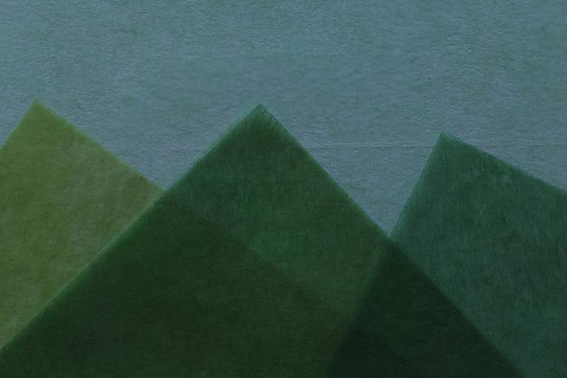 緑の山の様に重ねた和紙の背景の写真画像