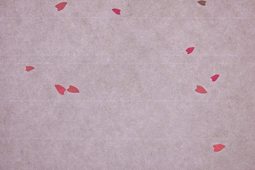 ピンクの花びら模様が入った可愛い和紙の写真画像