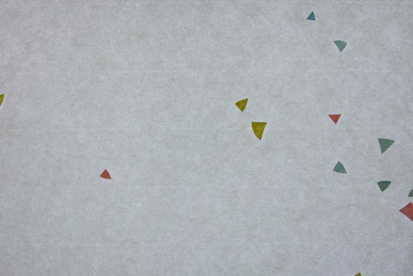 銀鼠色の紙に三角色模様がある和紙の写真画像