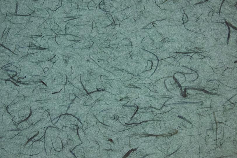 深川鼠色の黒楮筋のある雲龍和紙の写真画像