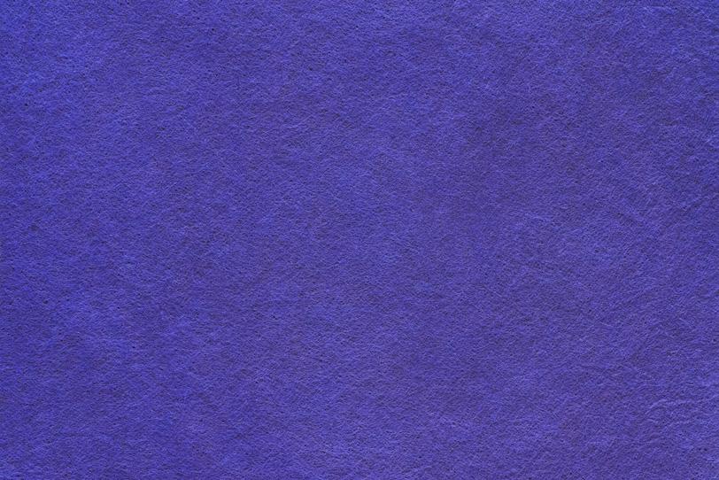 優美な紅桔梗色の染め和紙の写真画像