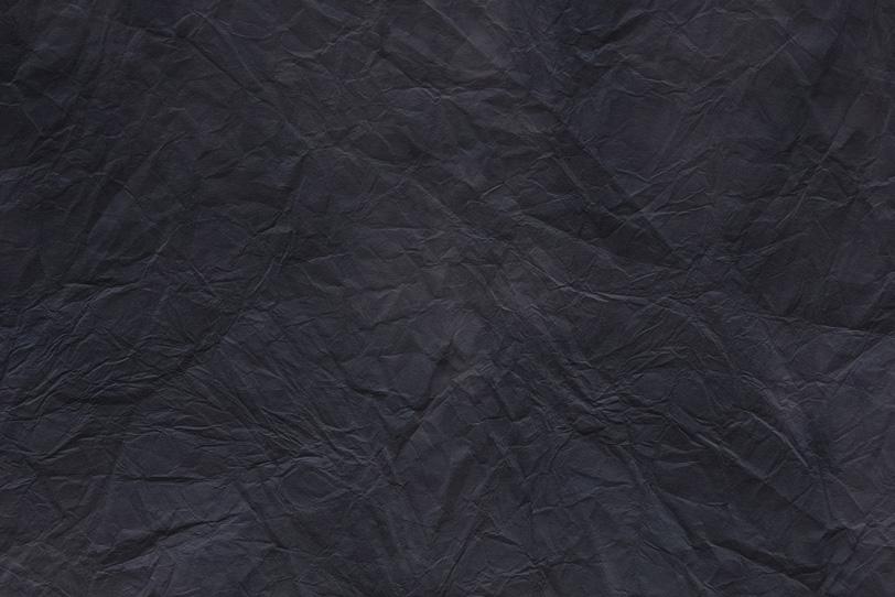闇夜のような漆黒色の揉染和紙の写真画像