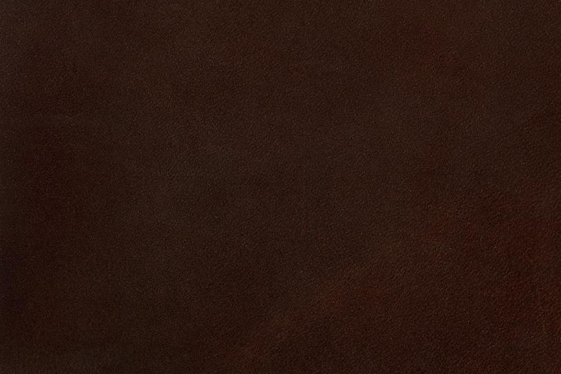 マットな質感の赤茶色のレザーの写真画像