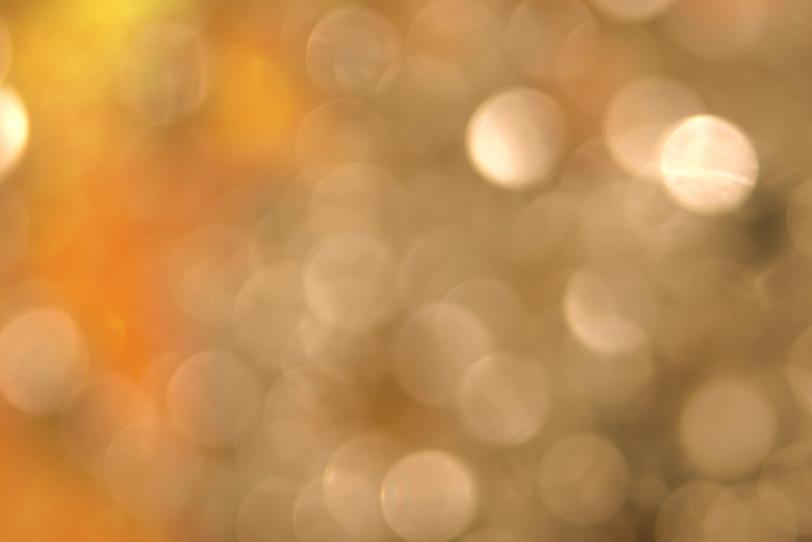 暖かい明かりに包まれるの写真画像