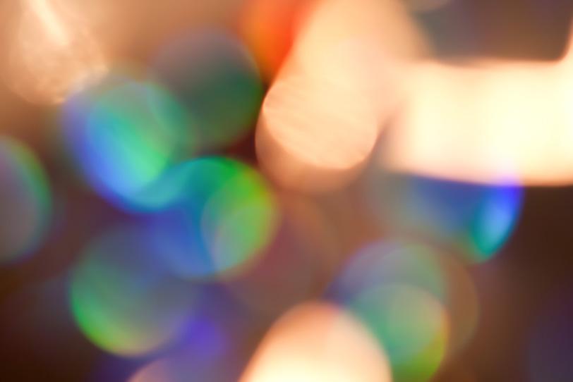 レインボーカラーのキラキラの写真画像