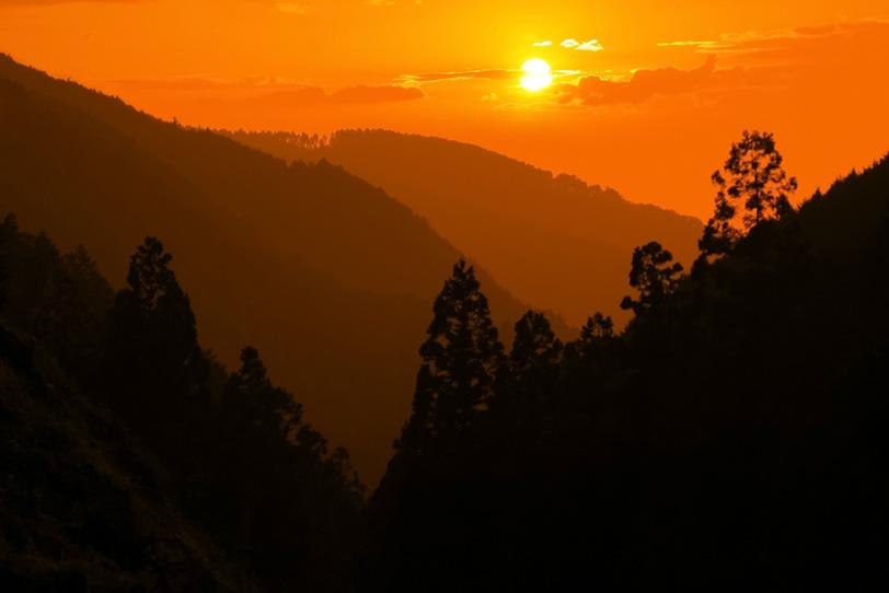 山の風景の写真画像