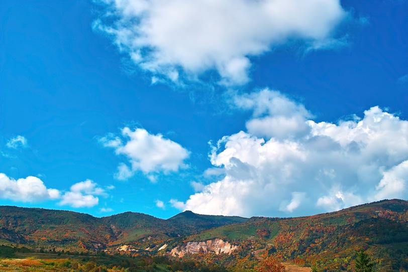 「山の風景」の素材を無料ダウンロード