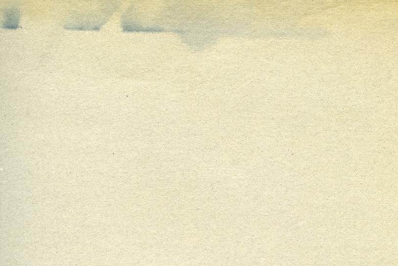 インクの滲んだ様なシミのある紙の写真画像