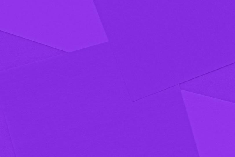 紫のシンプルでカッコイイ背景
