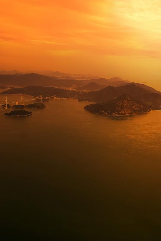 夕焼けに染まる瀬戸内海の写真画像