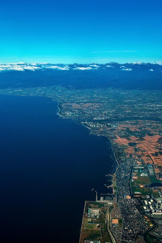 臨海上空の空撮の写真画像