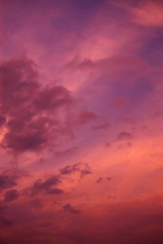 夕焼けの色彩豊かな空の写真画像