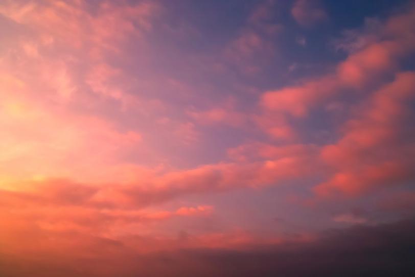 鮮麗な詩情溢れた夕焼けの写真画像