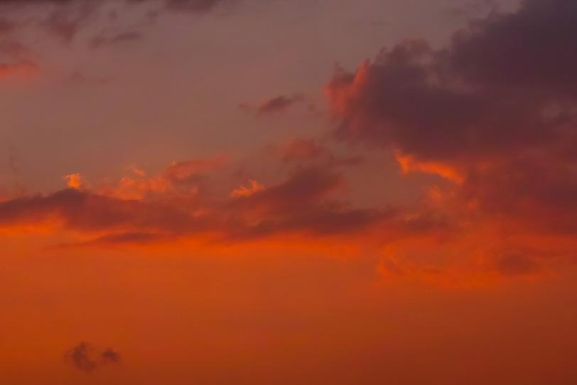 綺麗なオレンジ色の夕焼けの写真画像