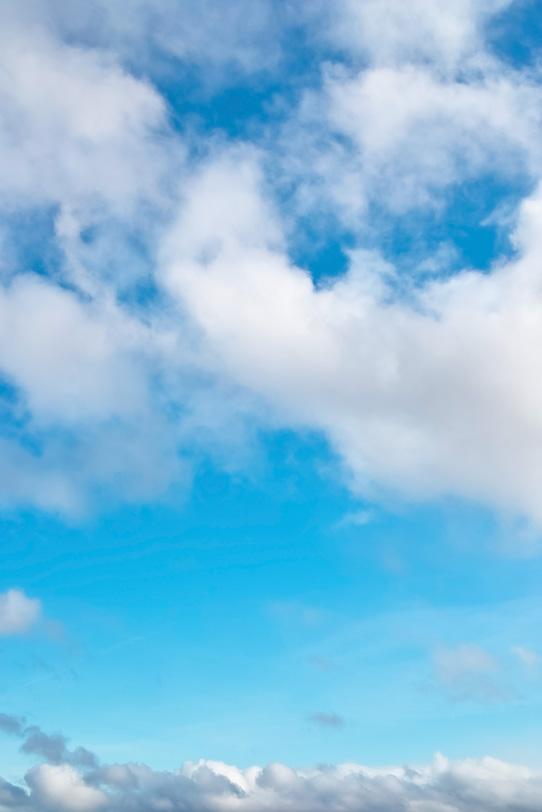 清澄な心洗われる青空の写真画像