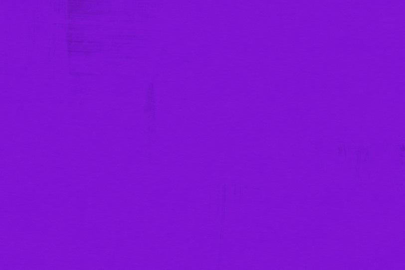 紫のカラーペイントでオシャレな壁紙