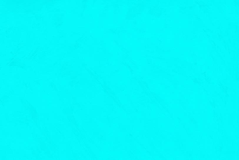 ペイントした水色の可愛い壁紙