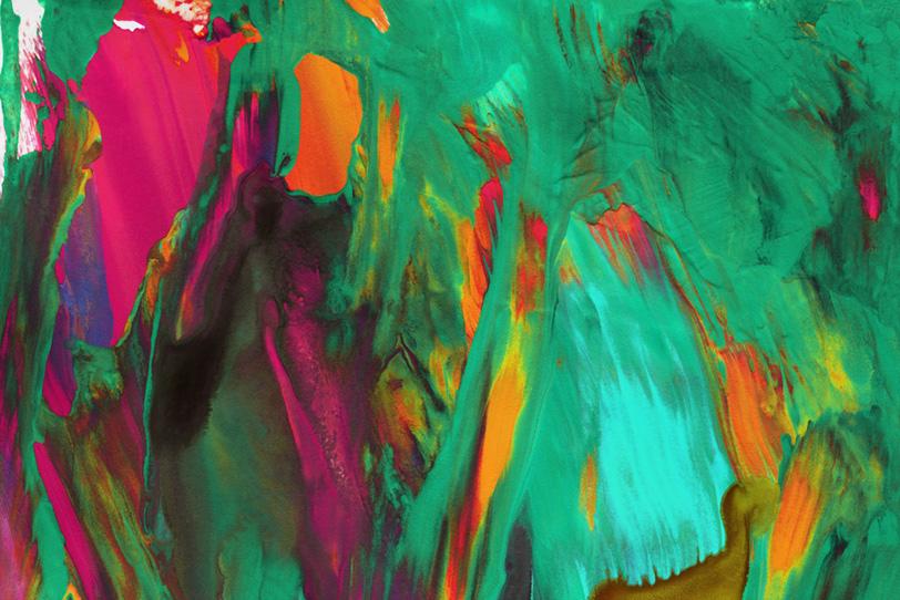 エメラルドグリーンが混ざる壁紙