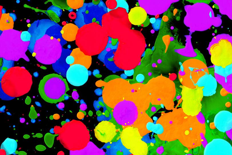 カラフルな色彩と黒のシンプルな背景