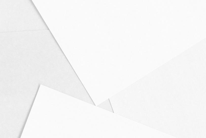 白色のシンプルなフリー背景