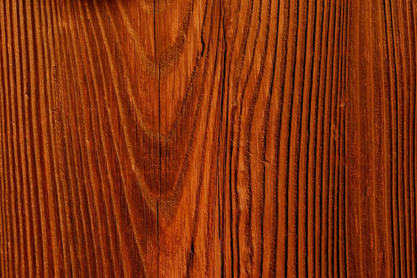 古い杉の木の荒々しい木目の写真画像